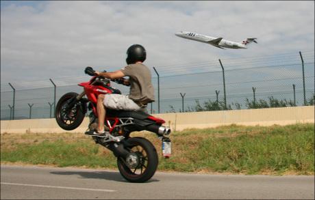 Ducatixevi747