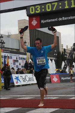 Marathon-bcn-2009-xavier-finishline