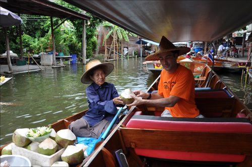Thailandia-floating-01